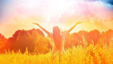 تصویر ۲۰ عبارت تاکیدی قانون جذب که شادی و نشاط  را به شما می بخشد