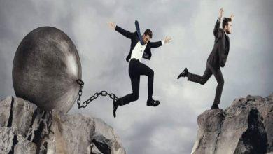 تصویر تفکرات و باورهای محدودکننده ، مانع اصلی موفقیت